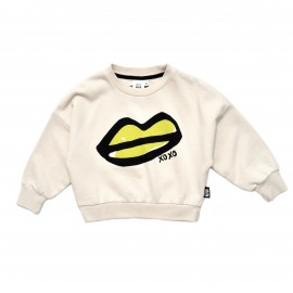 XOXO lips cropped sweater