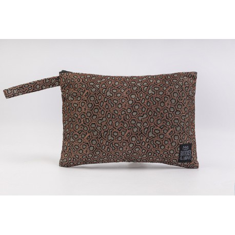 Flat Pouch Metallic Bronze - Medium